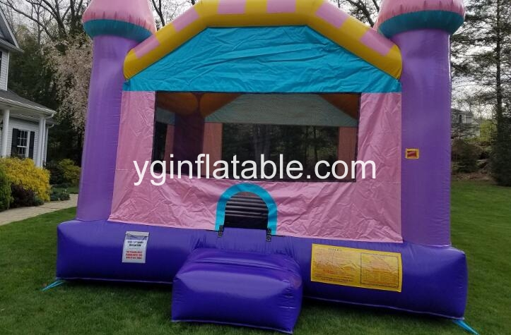 Inflatable bounce houses can bring fun for kid's party