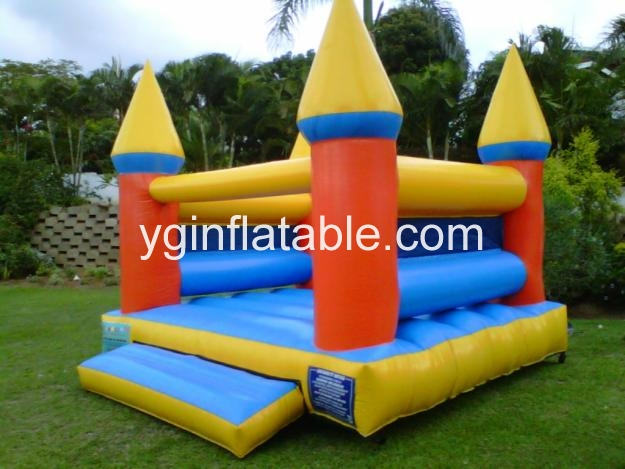 Something you should notice when choosing inflatable jumping castle for kids