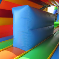 Train inflatable obstacle courseGE138