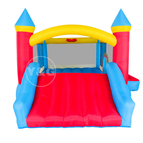 Inflatable castle with ball pit
