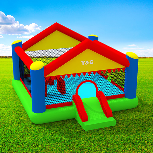 inflatable bouncer house with obstacle