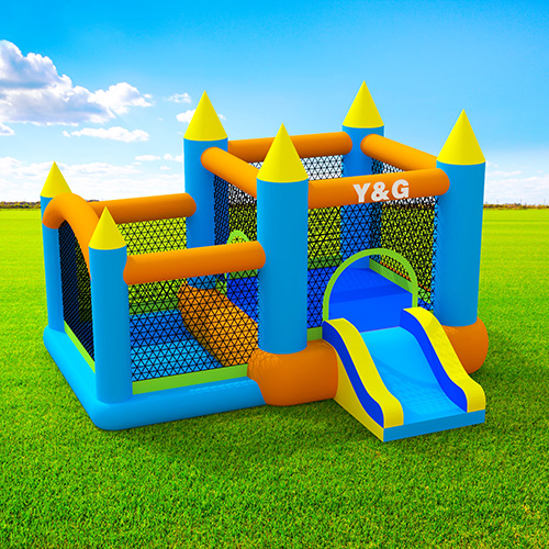 Airflow bouncer castle with ball pit